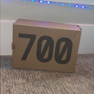 Yeezy 700 Wave runners